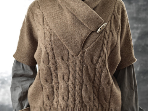 HAND knitwear