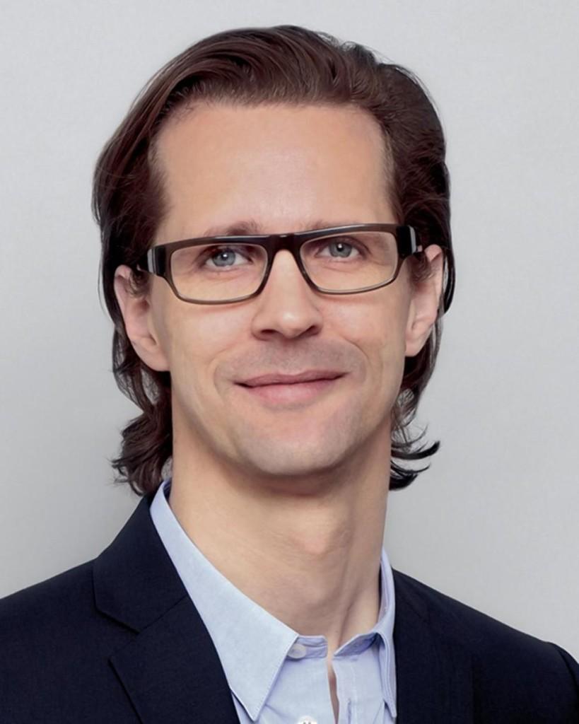 Stefan Larsson head shot