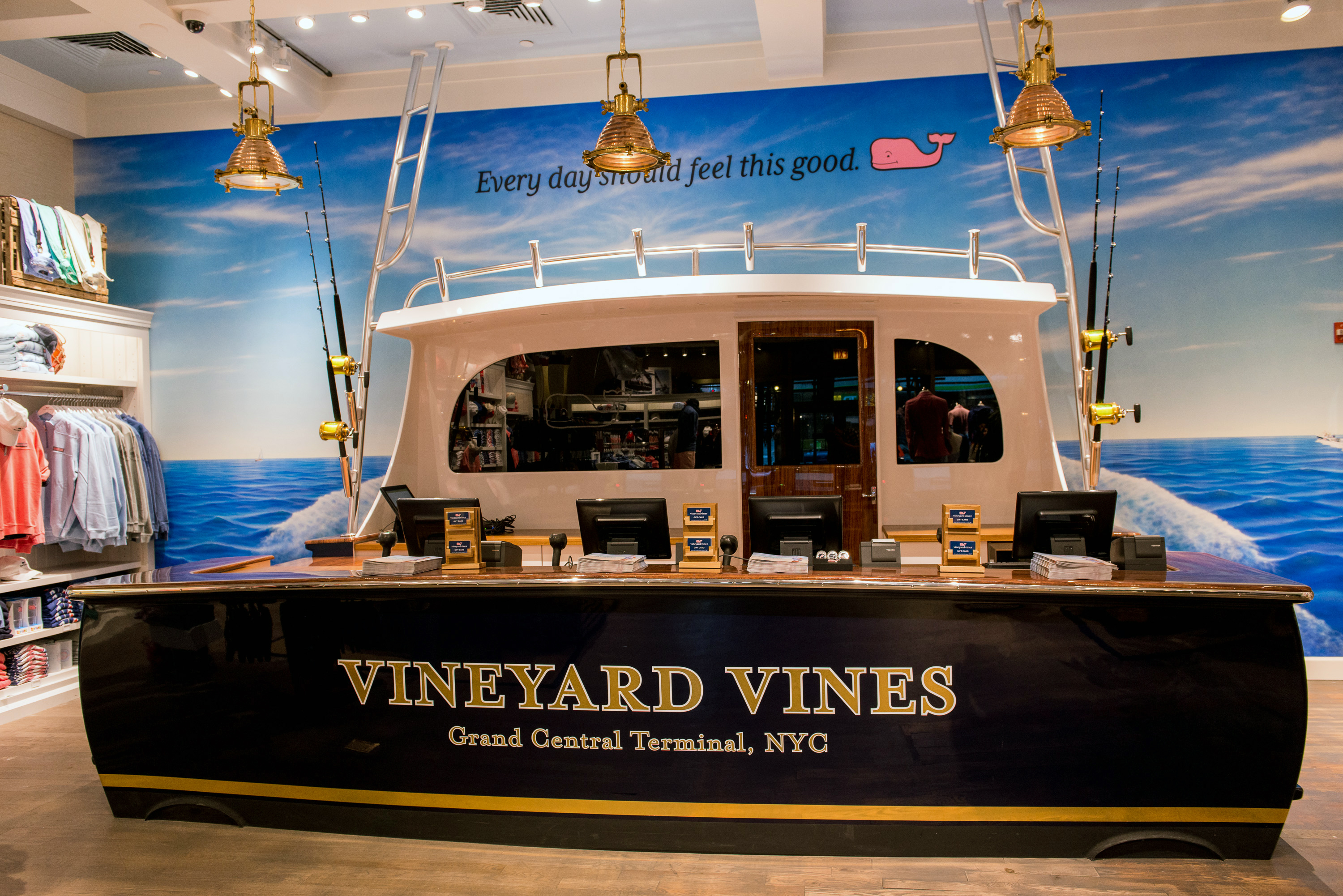 a6ee2ddc564 VINEYARD VINES OPENS NFL STYLE POP-UP AT ITS GRAND CENTRAL STORE