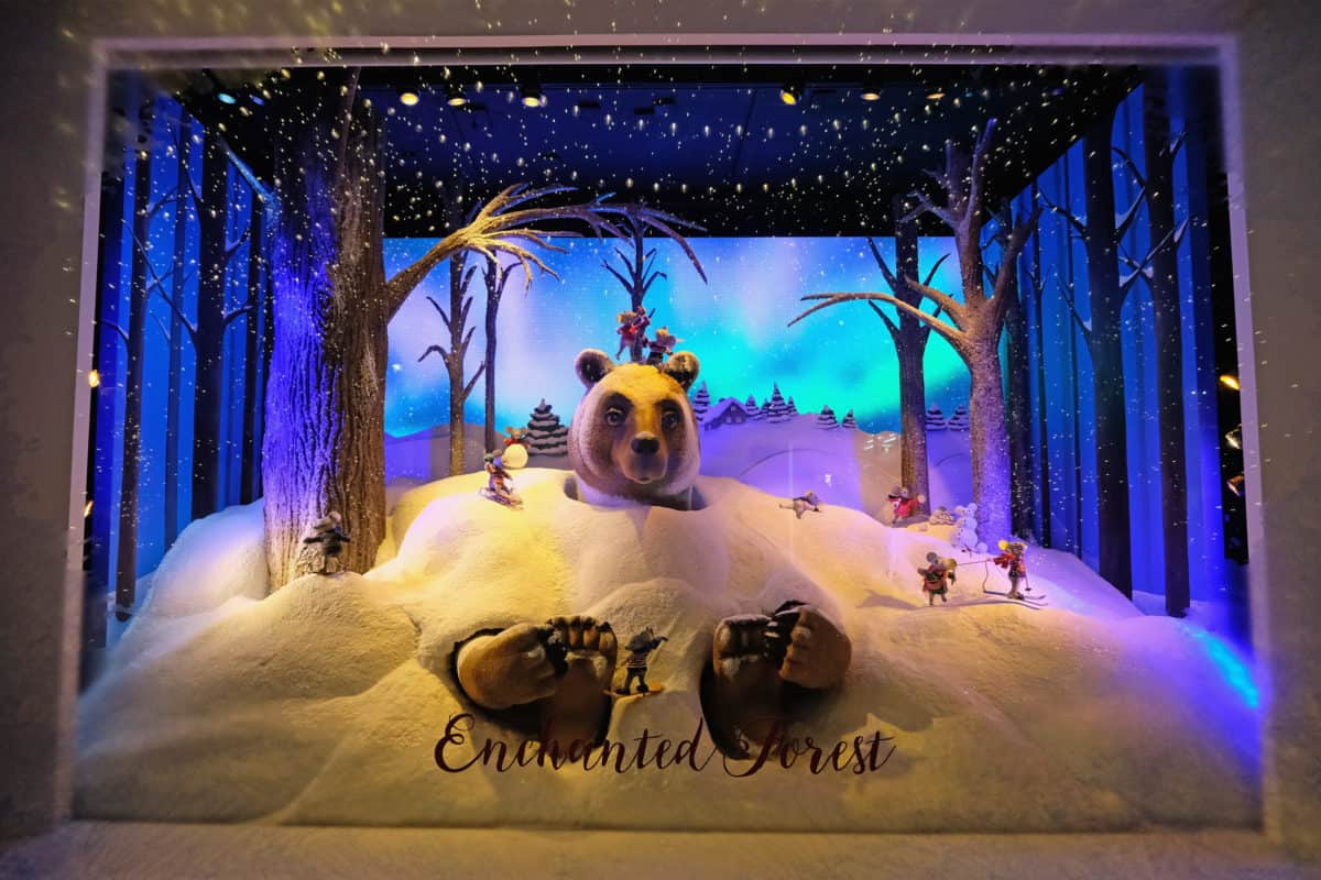 LORD & TAYLOR UNVEILS ENCHANTED FOREST