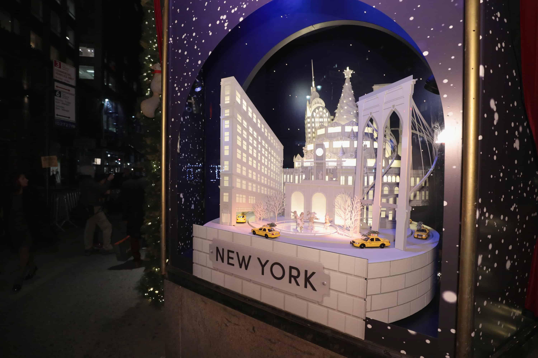 HOLIDAY WINDOWS AT NYC FLAGSHIP