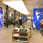 LEVI STRAUSS NUMBERS UP IN SECOND QUARTER