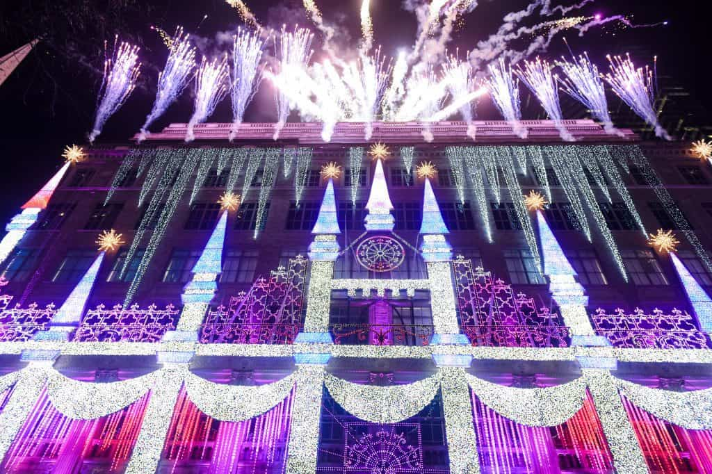 """Saks Fifth Avenue and Disney unveil """"Once Upon a Holiday"""" : 2017 Holiday Windows and Light Show"""