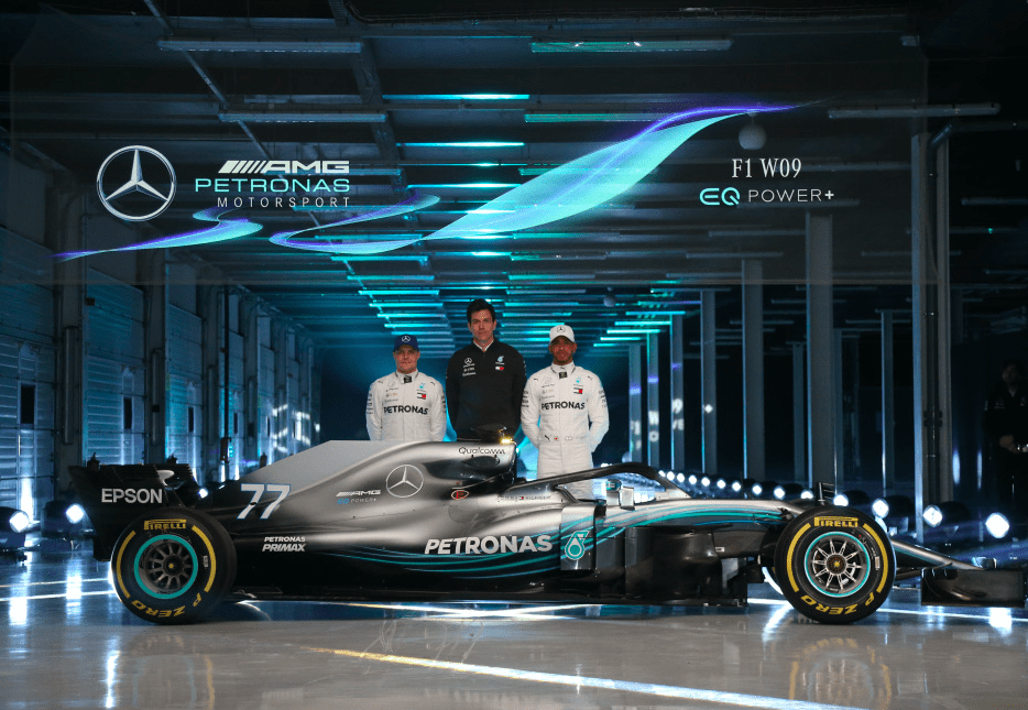 a6b5b54dc TOMMY HILFIGER REVEALS OFFICIAL APPAREL FOR FOUR-TIME WORLD CHAMPIONS  MERCEDES-AMG PETRONAS MOTORSPORT